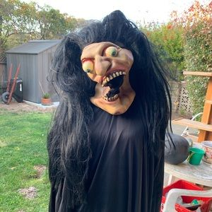 Crazy witch mask with black dress